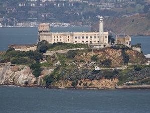 Alcatraz Island (pdphoto.org)