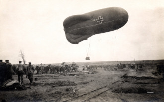 Launching a typical German observation balloon.